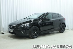 Volvo V40 CROSS COUNTRY T5 AWD Business Summum A (MY16.1) *NAHKAT, NAVI, ADAPTIIVINEN VAKKARI YMS. KATSO LISTA!*, vm. 2016, 99 tkm